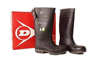 dunlop-black-rubber-boot